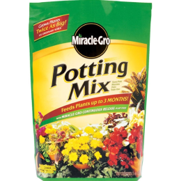 Miracle-Gro Potting Mix 8 qt